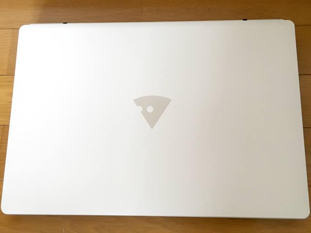 マウスコンピュータMB-B506H。デザインがロゴのチーズでめちゃめちゃかわいい!